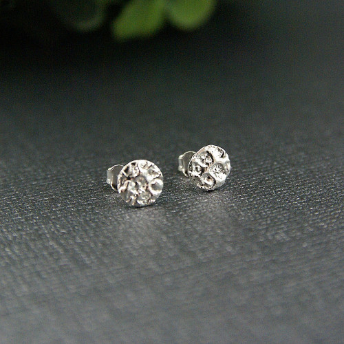 Coral small studs