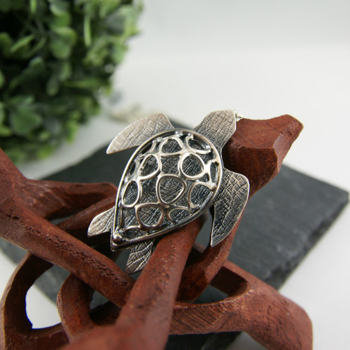 Big turtle pendant