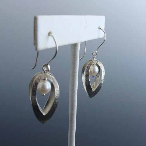 Cage white Pearl Earrings