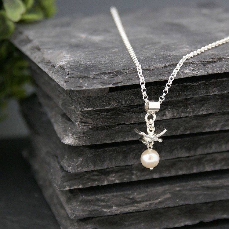 Pendentif Oriental perle blanche