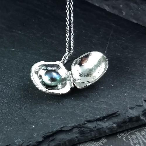 Collier coquillage et perle