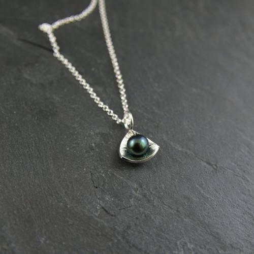Triangle Black Pearl pendant